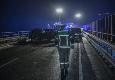 Glatteisunfall mit zehn Autos in der Nähe von Mutlangen