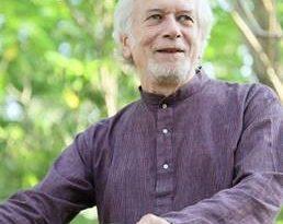 Schriftsteller Dr. Martin Kämpchen unterstützt Kick for Help